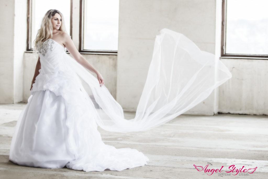 prodej svatebních šatů