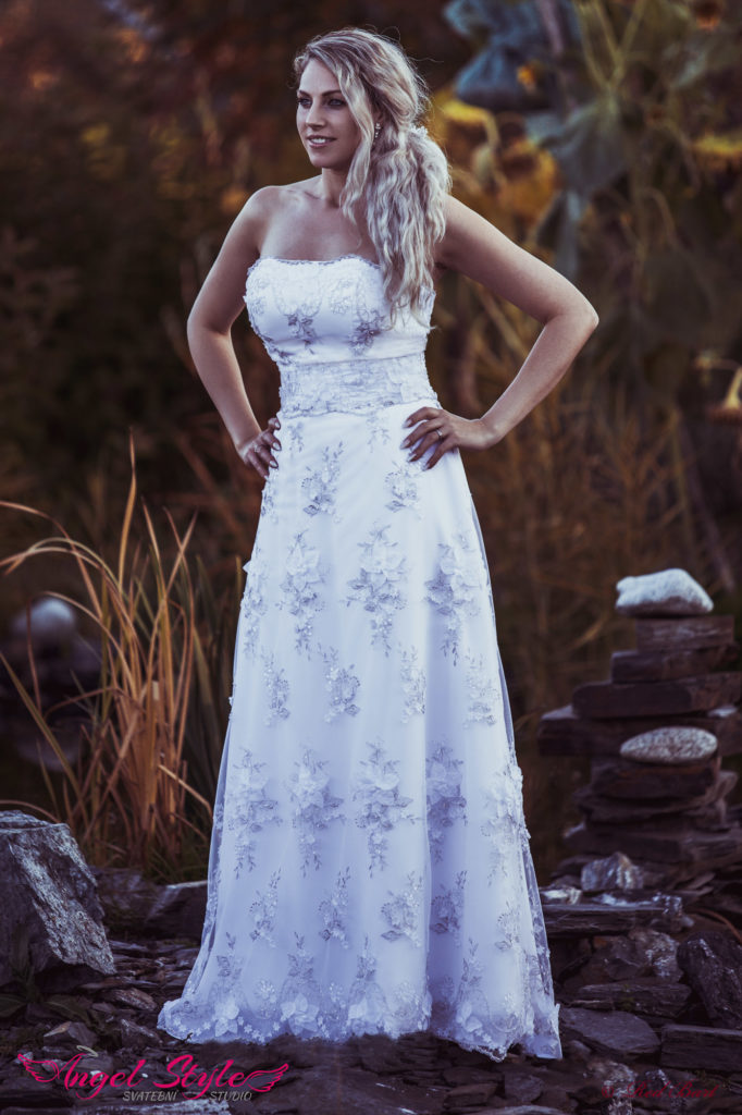 svatební šaty Brno