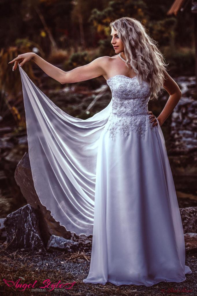 pohodlné svatební šaty